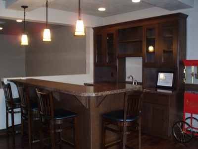 Wet Bar with Raised Snack Ledge